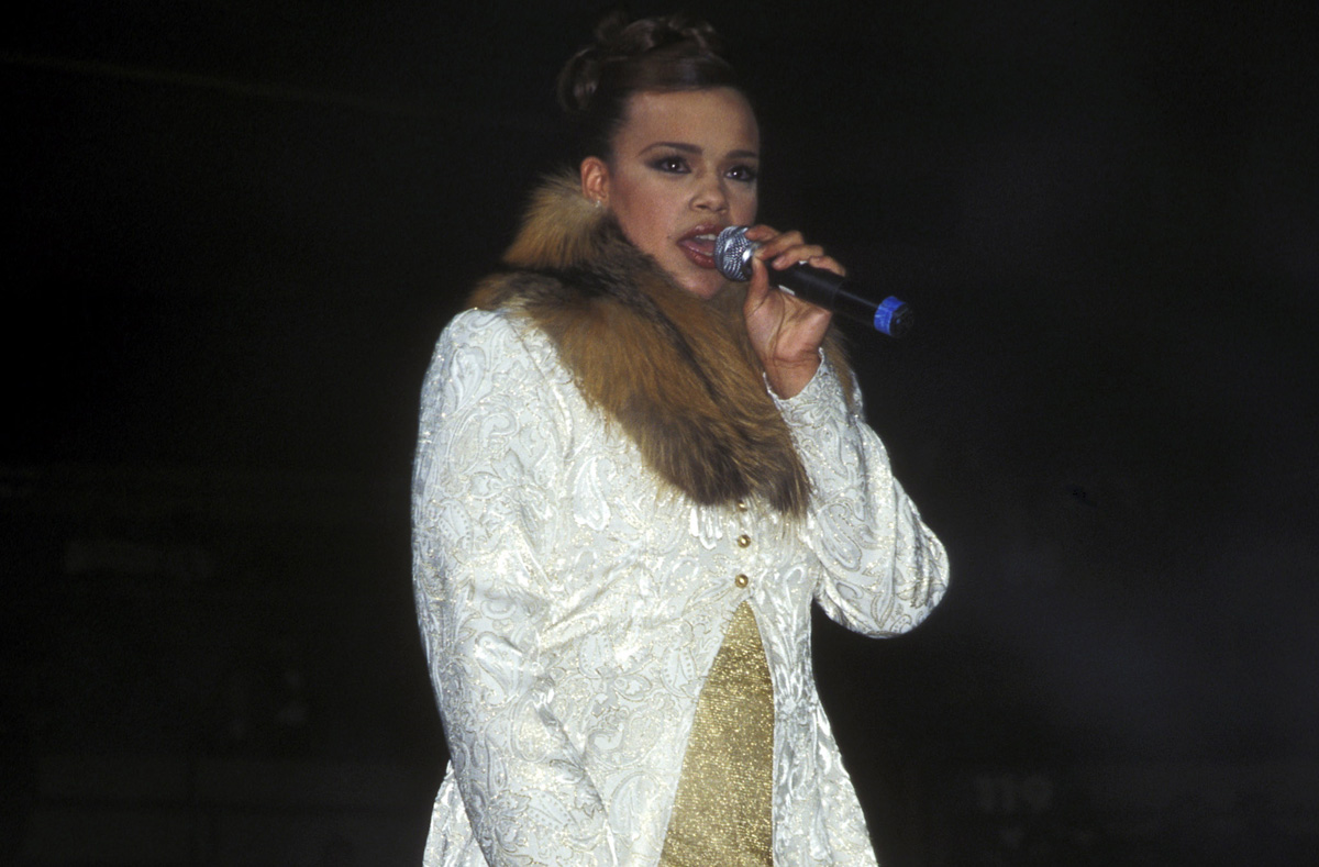 faith-evans-backup-singer