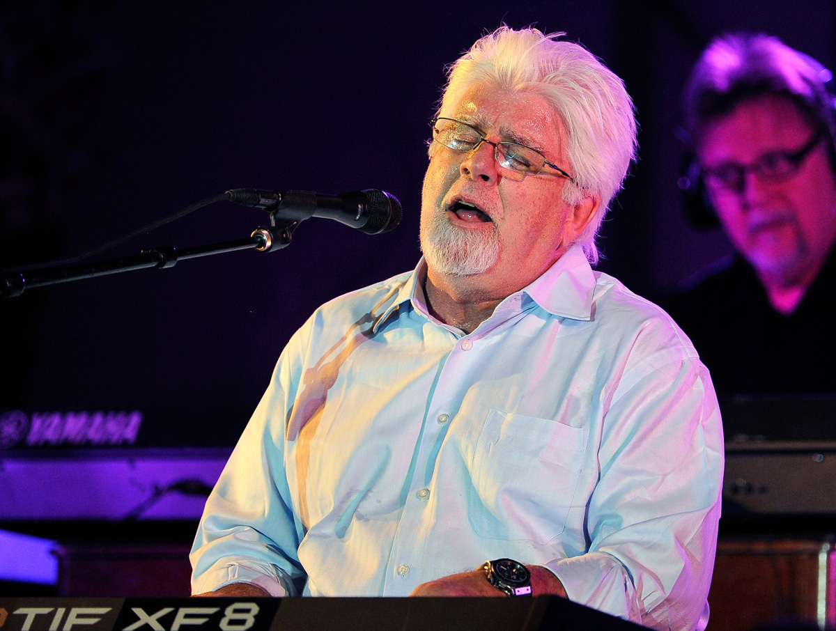 michael-mcdonald-backup-singer