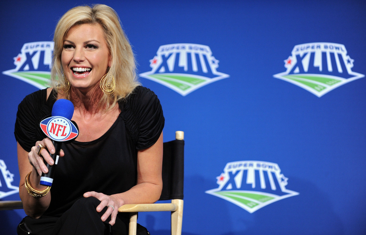 Singer Faith Hill speaks at the pregame show and national anthem press conference held at the Tampa Convention Center on January 29, 2009 in Tampa, Florida.