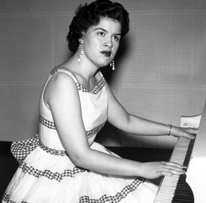 Patsy plays piano