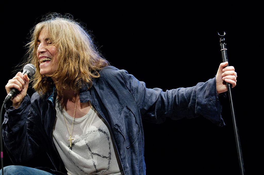 Patti-Smith-Performing-531308953