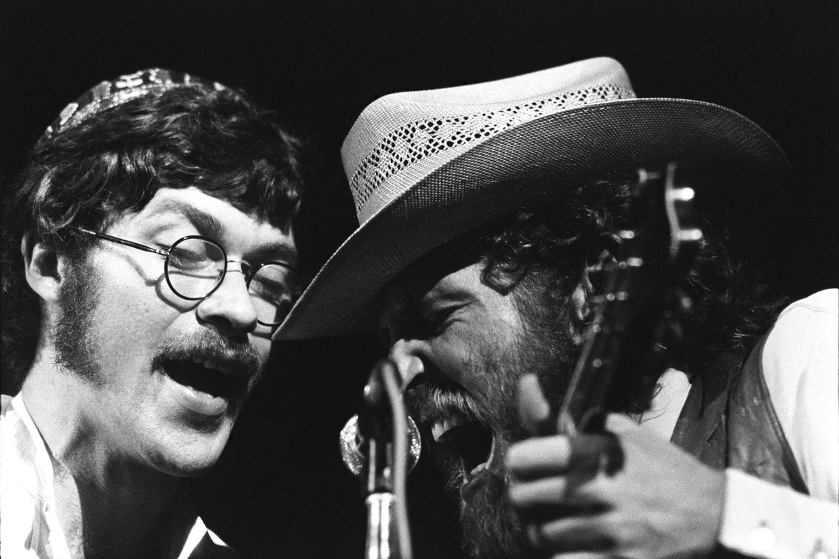 robbie robertson and the band performing at woodstock