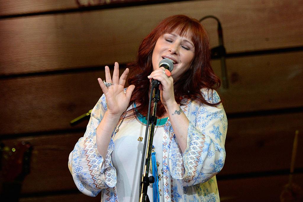 Tiffany singing