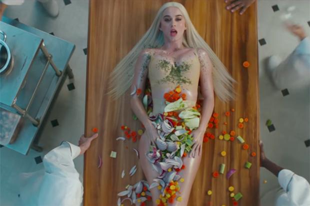"""Katy Perry's """"Bon Appetit"""" Video"""