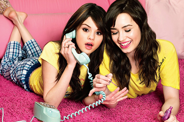 Demi & Selena Reconnect On Twitter