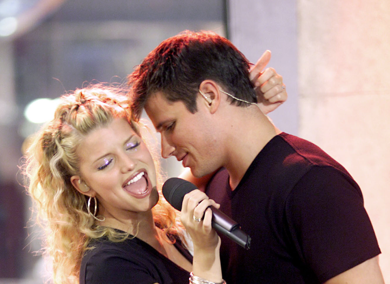 Jessica Simpson & Nick Lachey Sing A Duet