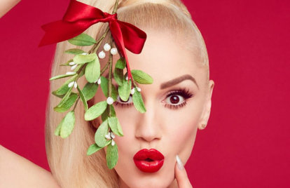 Gwen Stefani Teams Up With Blake Shelton For Xmas Single