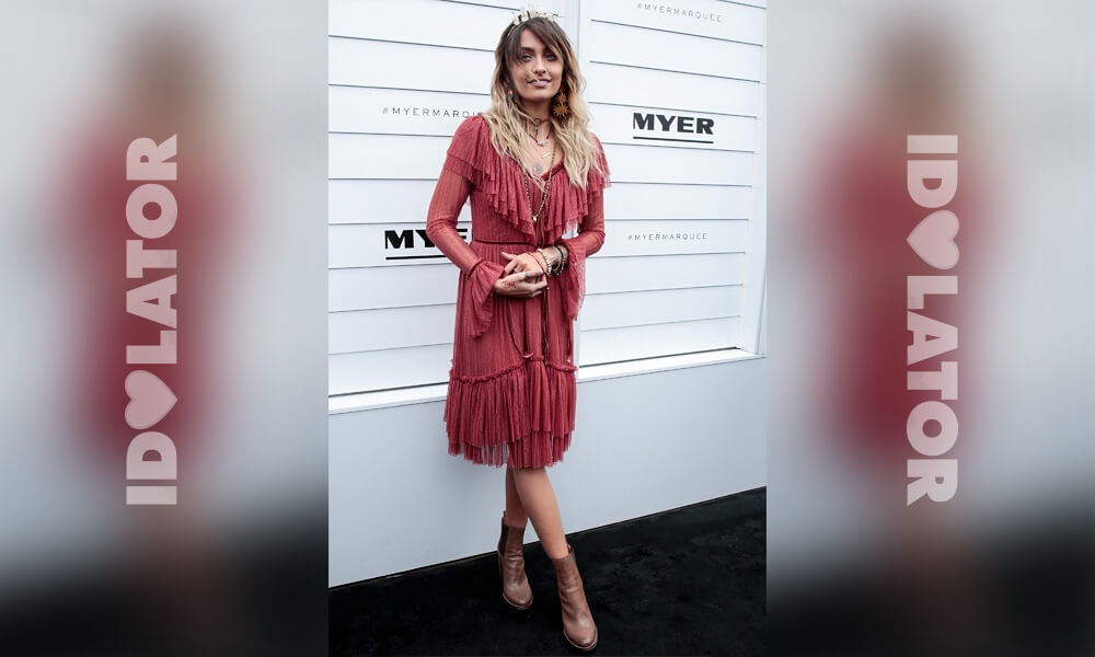 paris-jackson-melbourne-cup-press.jpg