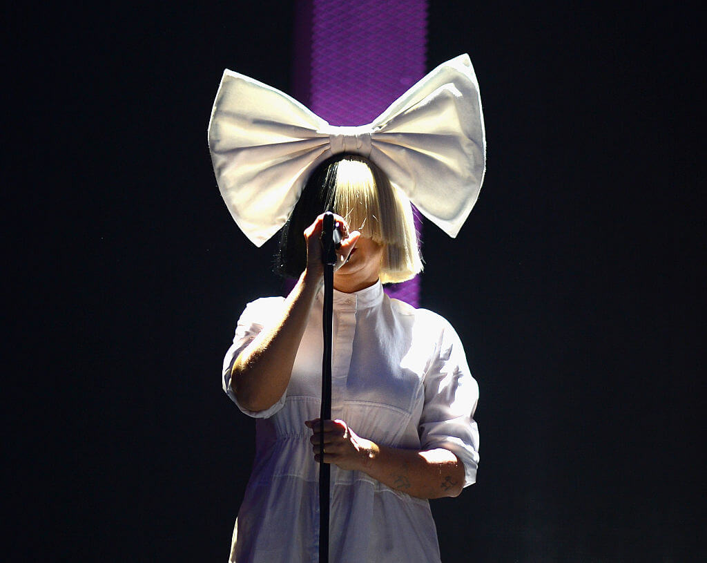 """Flexible"" Sia Doesn't Care About Gender"