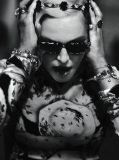 Madonna-Vogue-Italia-6-74603-233x311.jpg