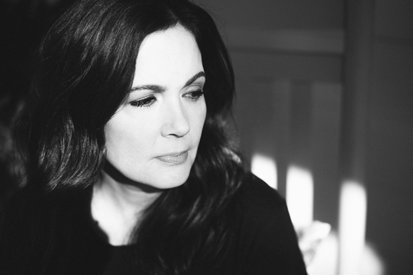 Lori McKenna On 'The Tree' & Sad Songs: Interview