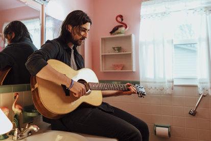 Interview: Noah Kahan Talks Debut LP, 'Busyhead'
