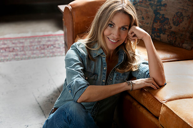 Sheryl Crow Reveals The Tracklist Of Collaborative LP, 'Threads'
