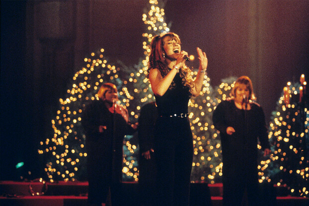 """A Gift! Mariah Carey Uploads A Vintage Performance Of """"Silent Night"""""""